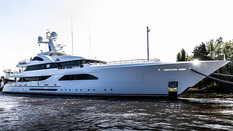 W yacht arriving at Feadship Aalsmeer shipyard