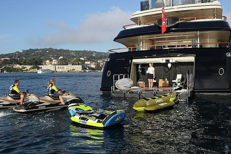 Bash yacht tenders