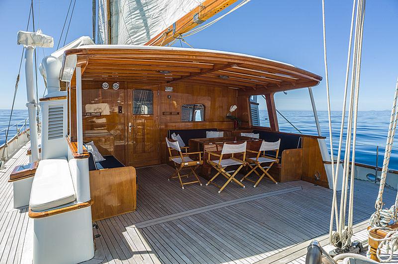 Fei-Seen yacht deck