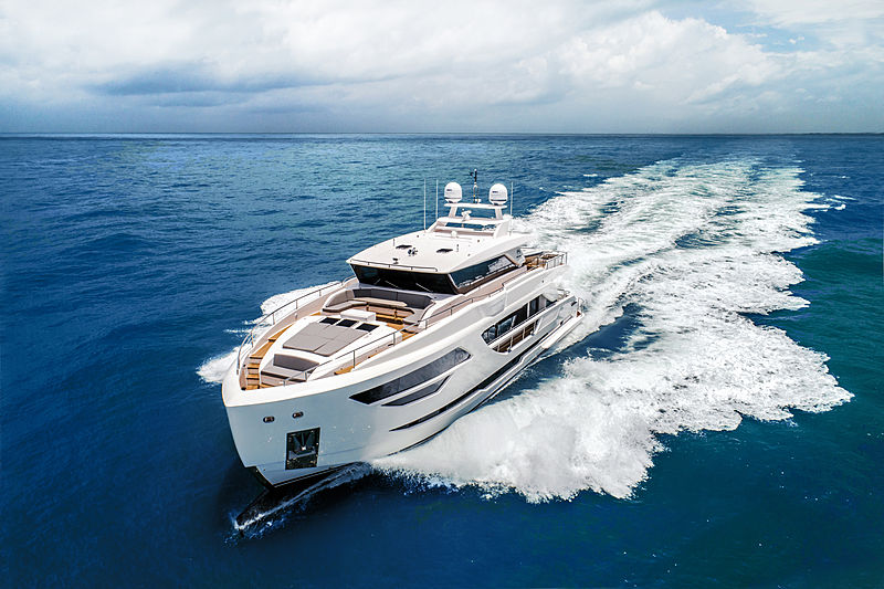 Horizon FD87/10 yacht exterior