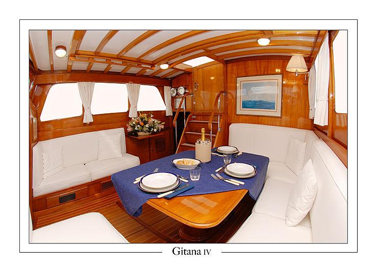 Gitana IV yacht saloon