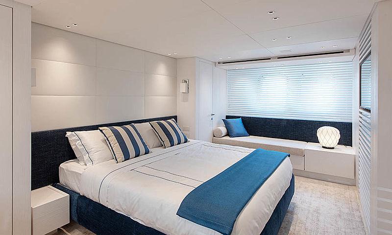 Sanlorezno SX88/23 yacht stateroom