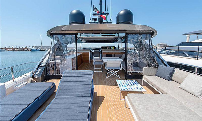 Sanlorezno SX88/23 yacht aft deck