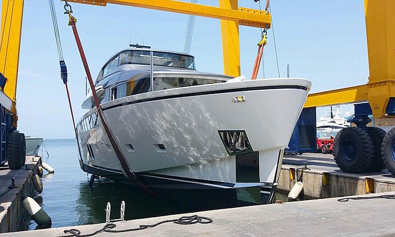 Sanlorezno SX88/23 yacht launch