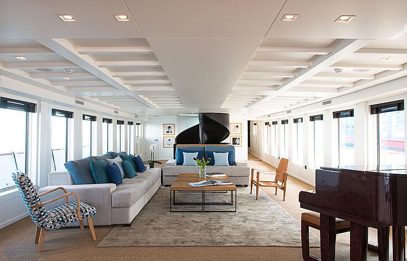 Menorca yacht saloon