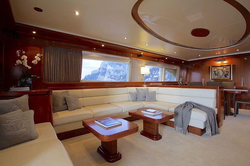 Soho yacht saloon