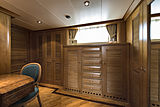 Tommy yacht stateroom