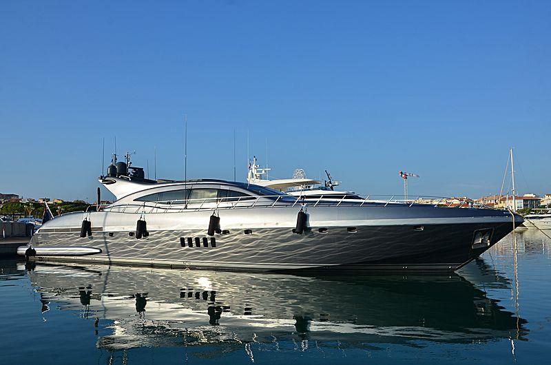 JFF yacht Overmarine