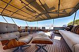 Walanka Yacht Hall Russel