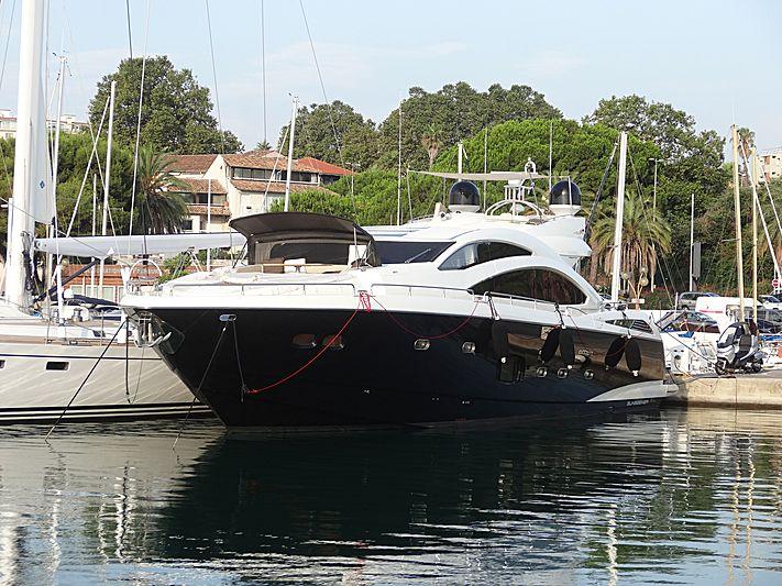 JUNE W yacht Sunseeker