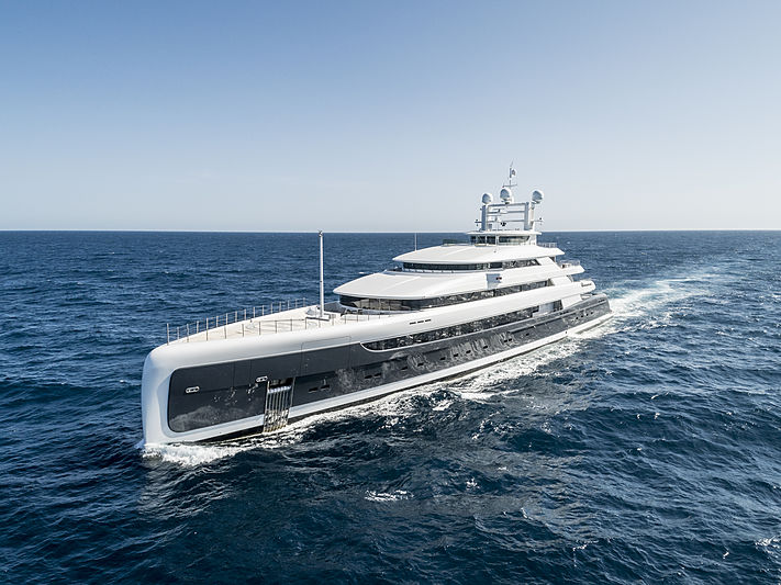 ILLUSION PLUS yacht Pride Mega Yachts