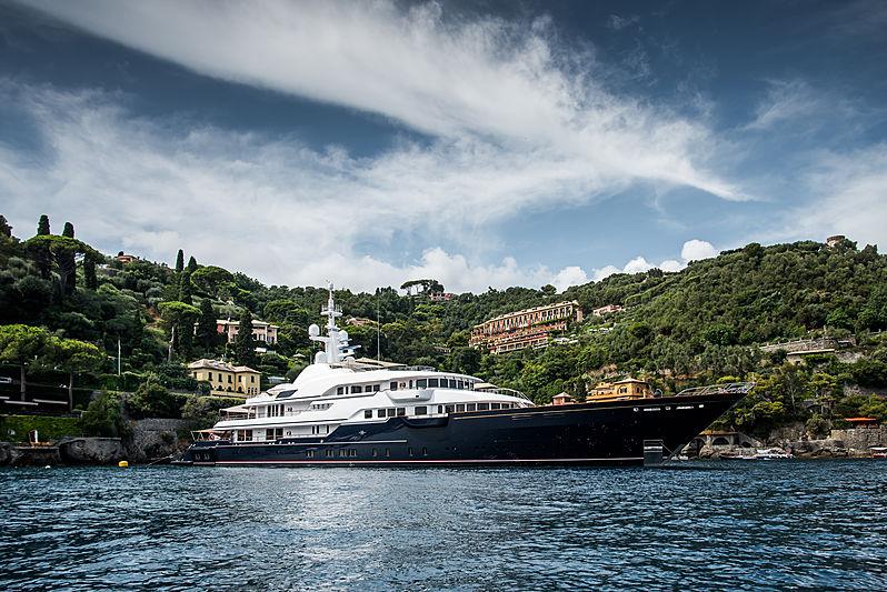 Hampshire II yacht by Feadship in Portofino