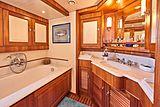 Anamcara yacht bathroom