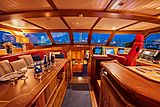 Anamcara yacht saloon