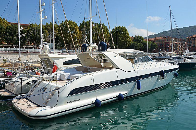 Malu yacht in Nice