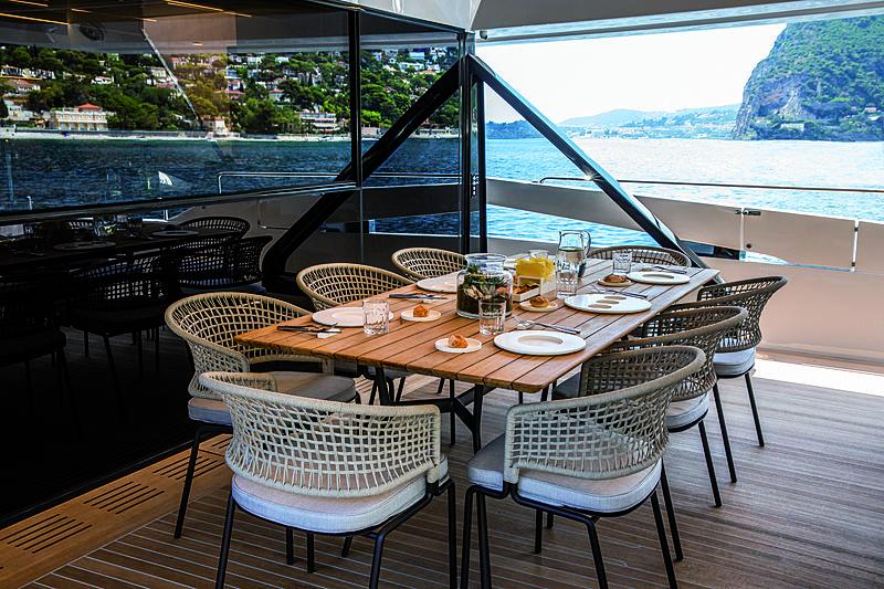 Mini K yacht aft deck