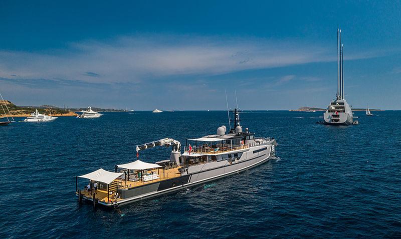 B3 yacht at anchor off Cala di Volpe