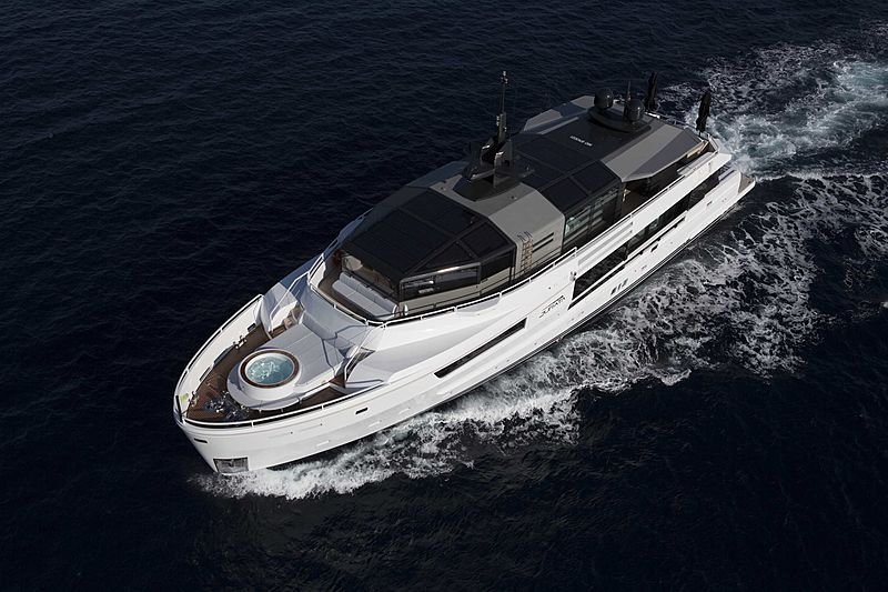 Yacht Jurata cruising
