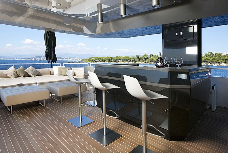 Yacht Jurata outdoor seating