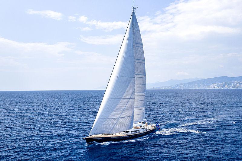 Infinity yacht by CNB cruising