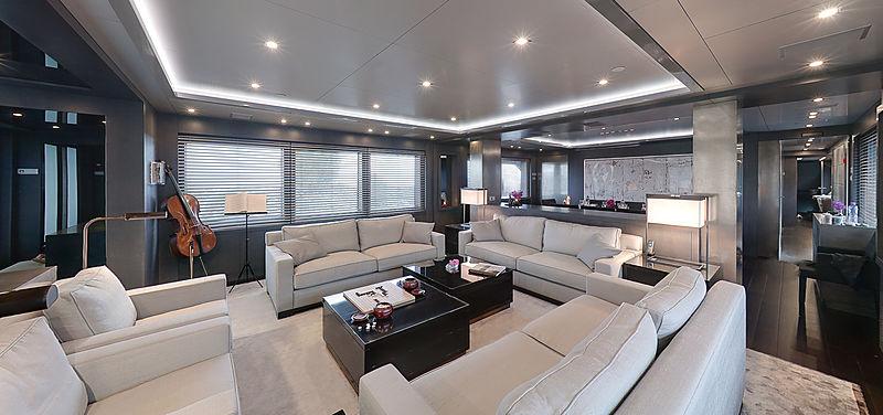 Lucia-M yacht saloon
