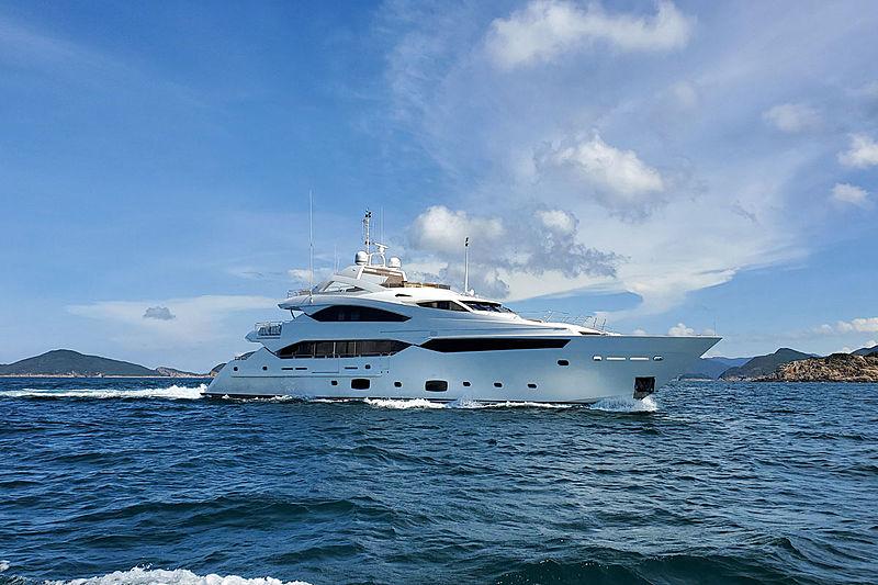 RHINE yacht Sunseeker
