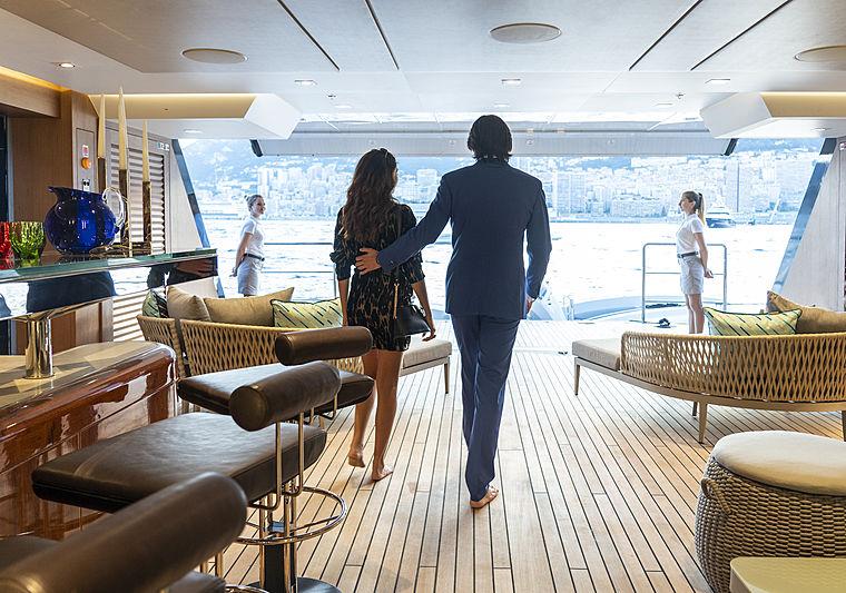 Illusion Plus yacht beach club