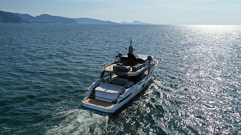 Arcadia Sherpa XL/01yacht cruising