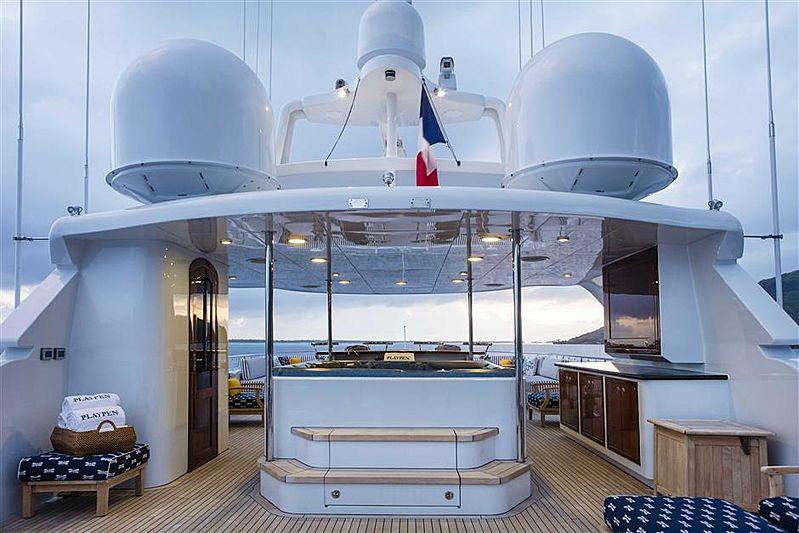Playpen yacht Deck