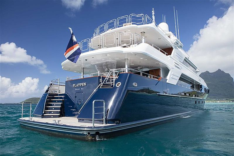 Playpen yacht Aft Deck