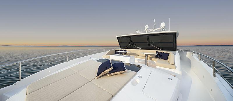 Horizon FD87/11 yacht foredeck