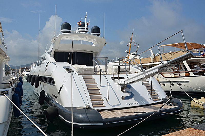 S yacht Overmarine
