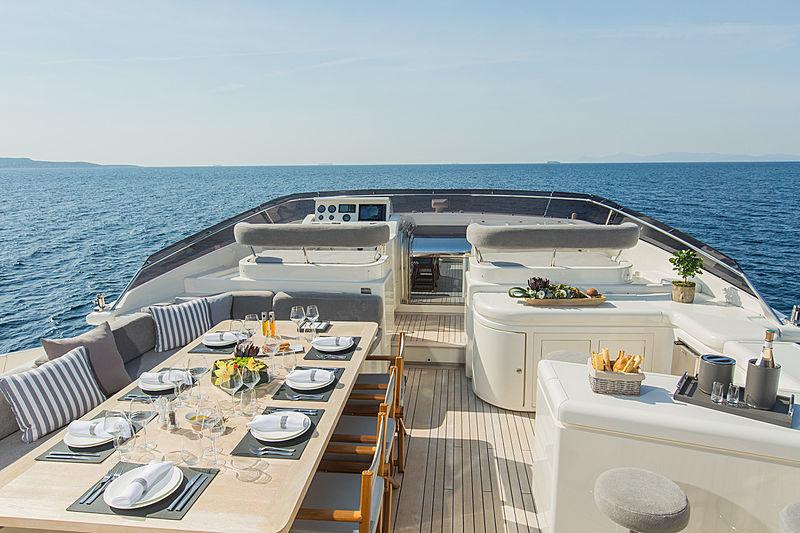 Tacos Of The Seas yacht by Ferretti