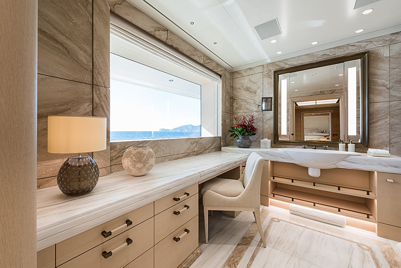 Here Comes The Sun yacht bathroom