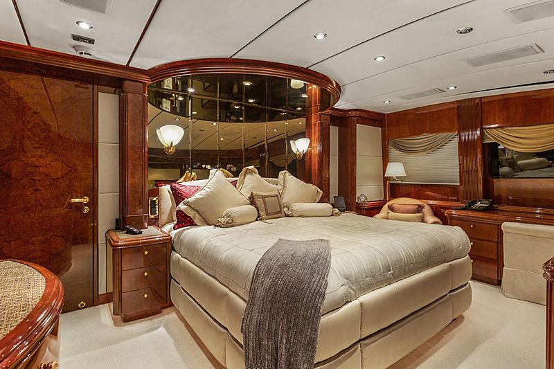 Ana's Inspiration yacht stateroom