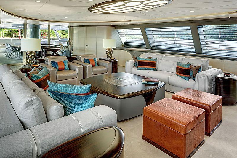 Mondango 3 yacht saloon