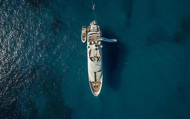 Voyager à travers la Nouvelle-Angleterre avec le yacht Avalon de 46 m