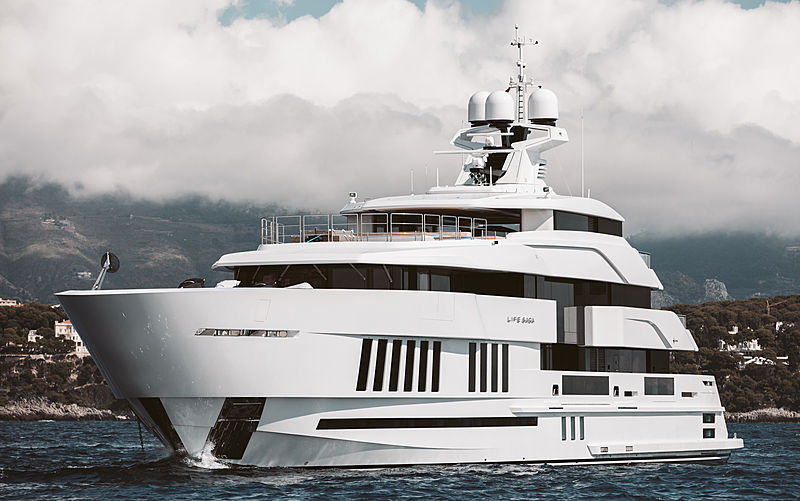 LIFE SAGA yacht Admiral